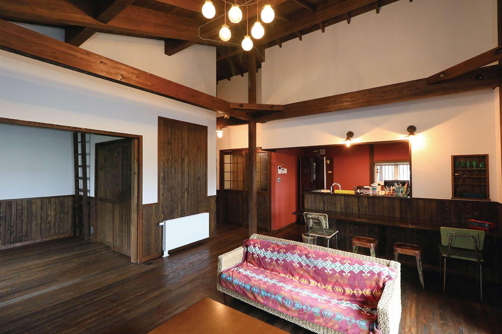 リビング続きの和室は、将来壁を抜いて寝室と一体化できる設計 -  -  -
