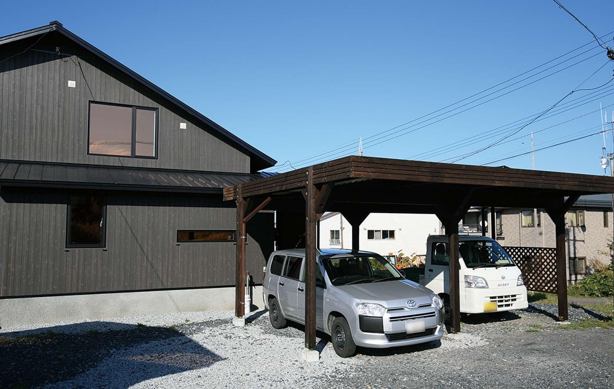 車が2台収容できるカーポートもカサシマ工務舎の施工 -  -  -