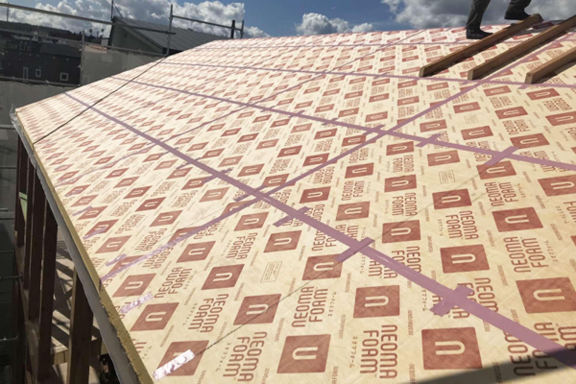 9月18日 屋根ネオマ貼り -  -  -