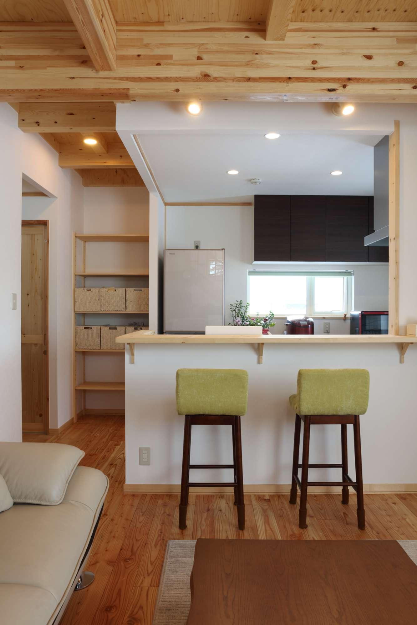 料理が楽しくなるカフェのようなキッチン。収納はオープンに -  -  -