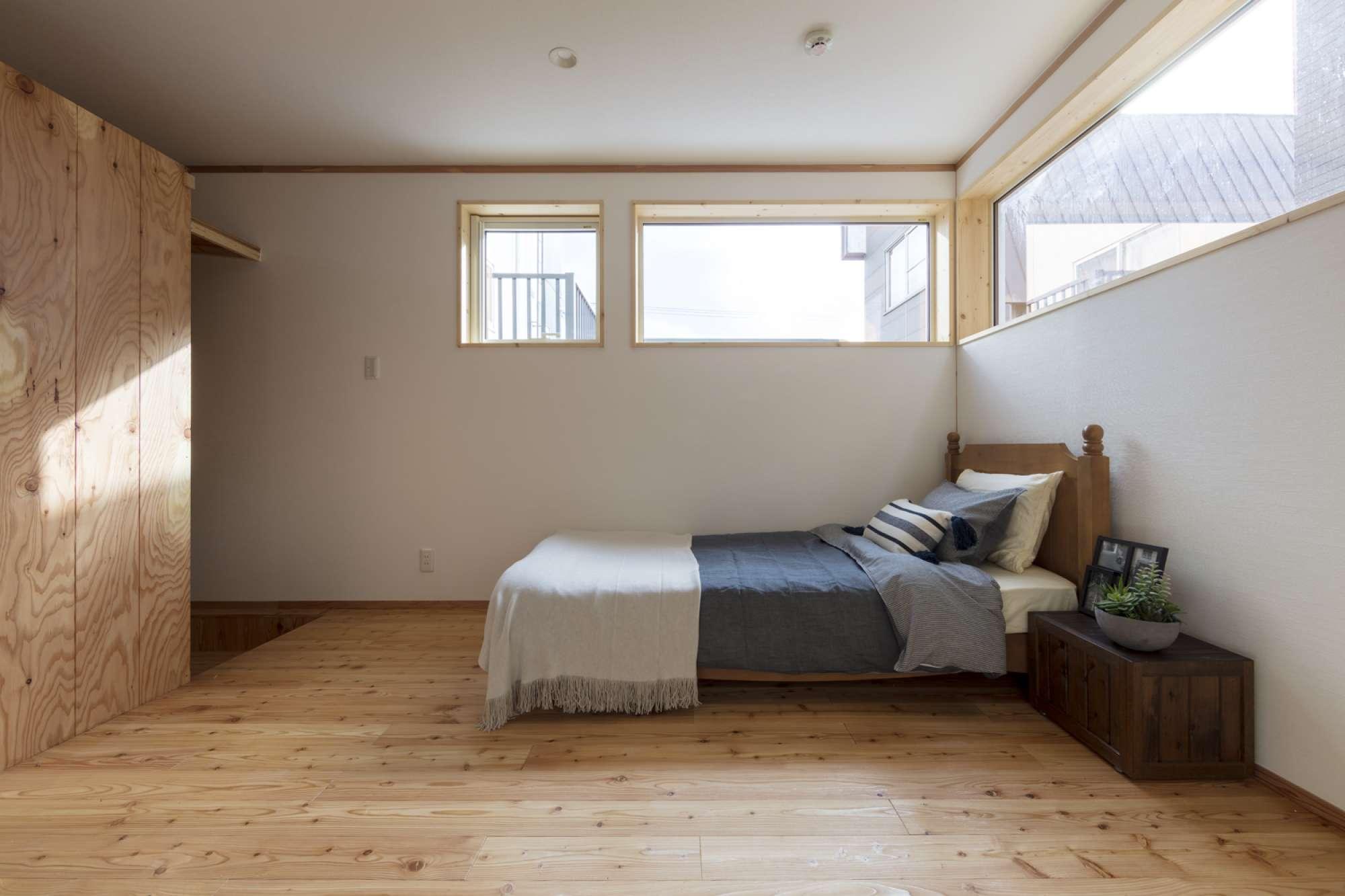 1階 寝室 -  -  -