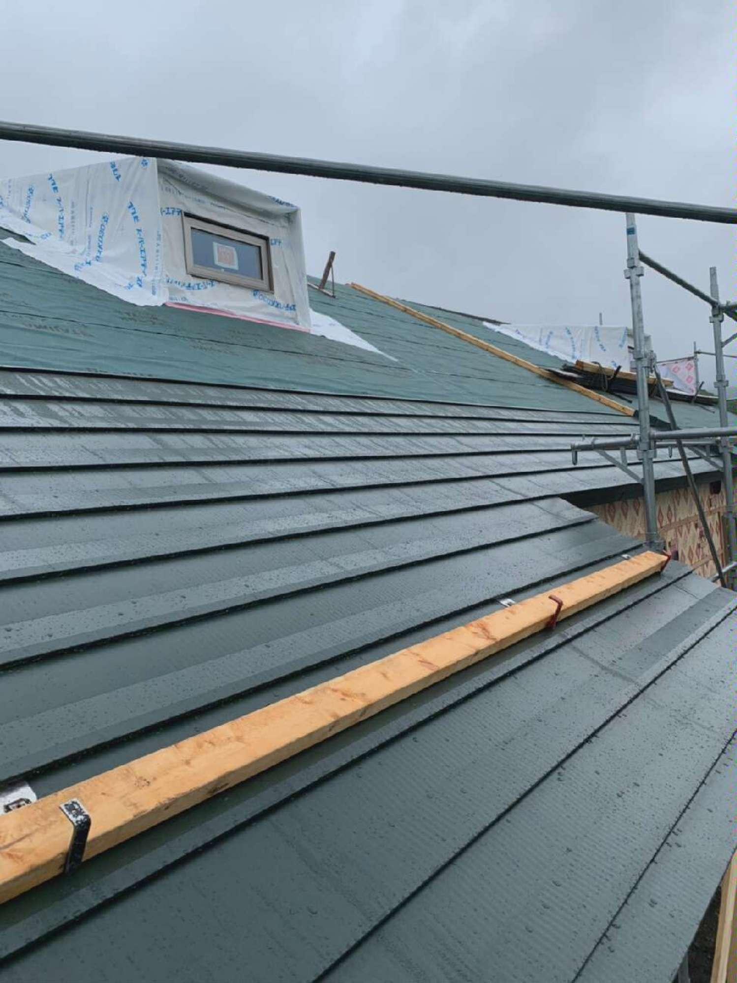 屋根板金工事 -  -  -