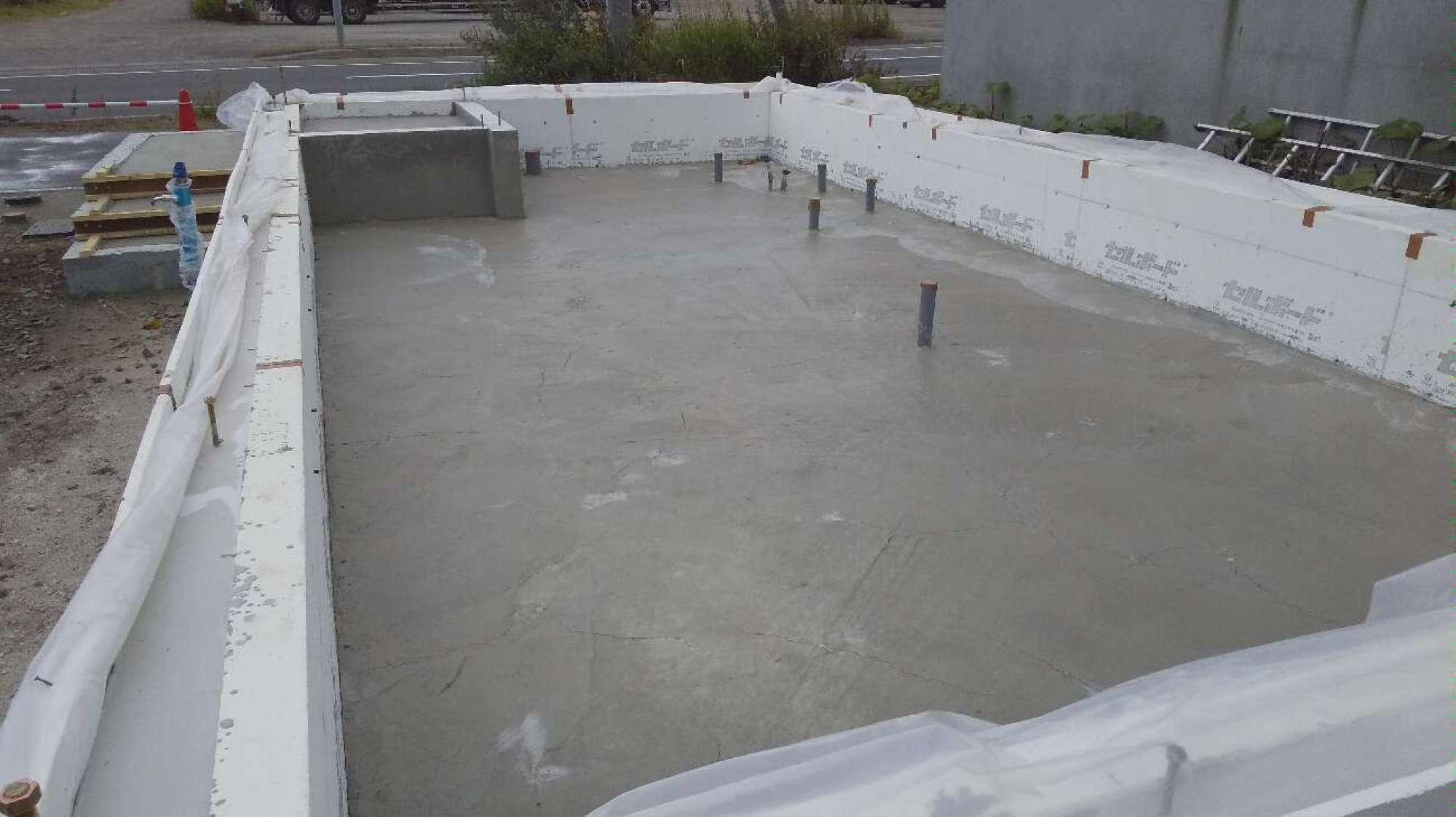 土間コンクリート打設 -  -  -
