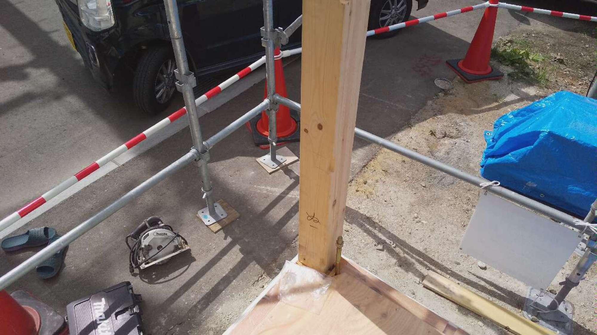 土台敷・柱建て -  -  -