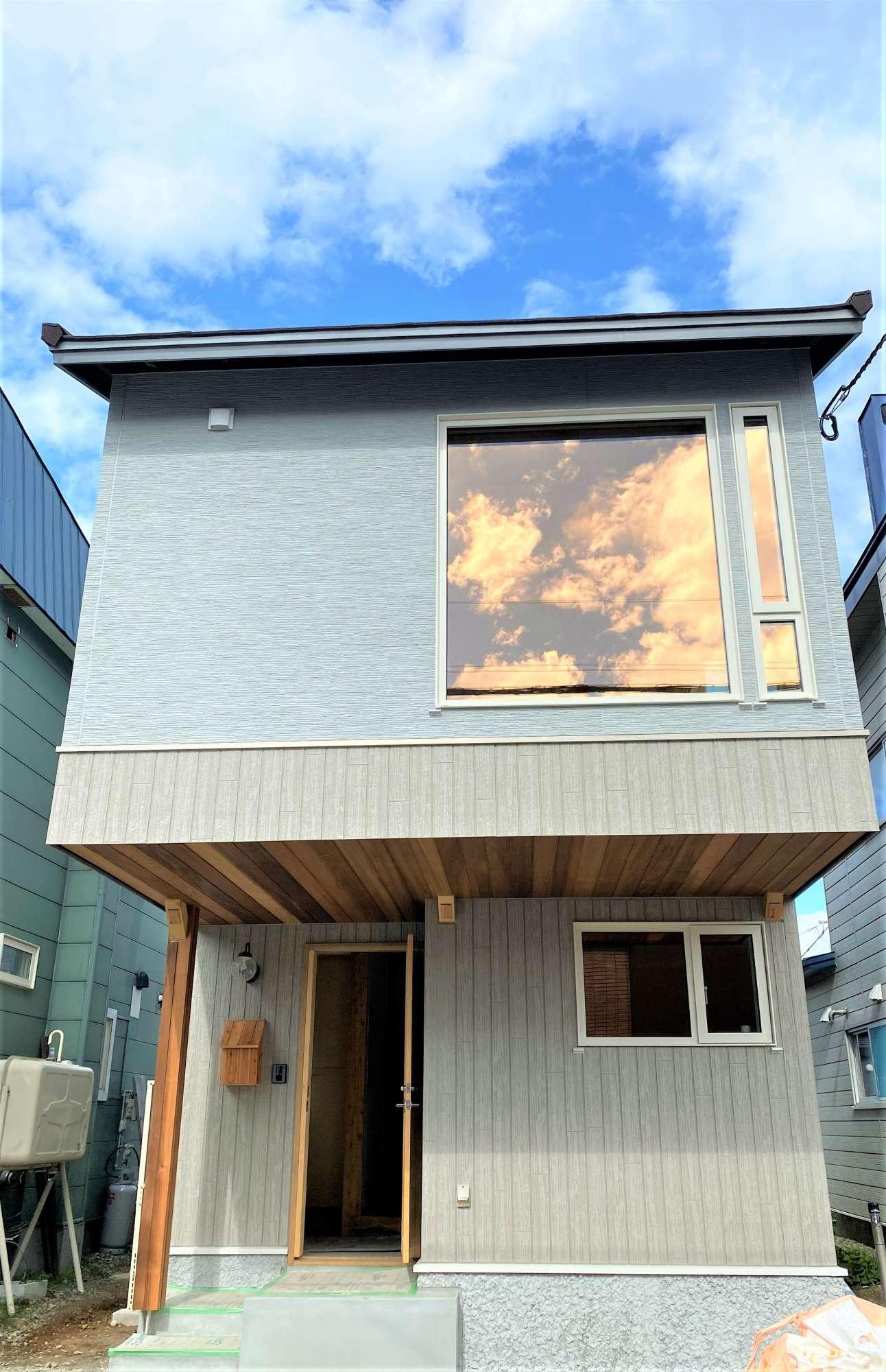 - 外観同シリーズ イメージ写真狭小地でも、駐車スペース/木組みの家  -  -