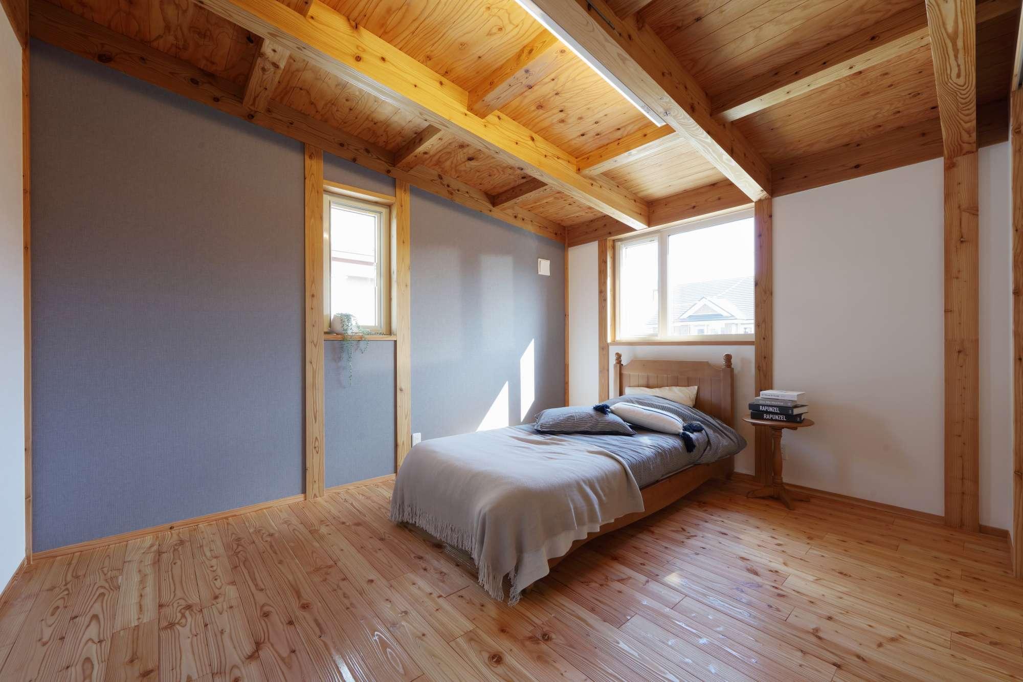 落ち着いた雰囲気の寝室 -  -  -