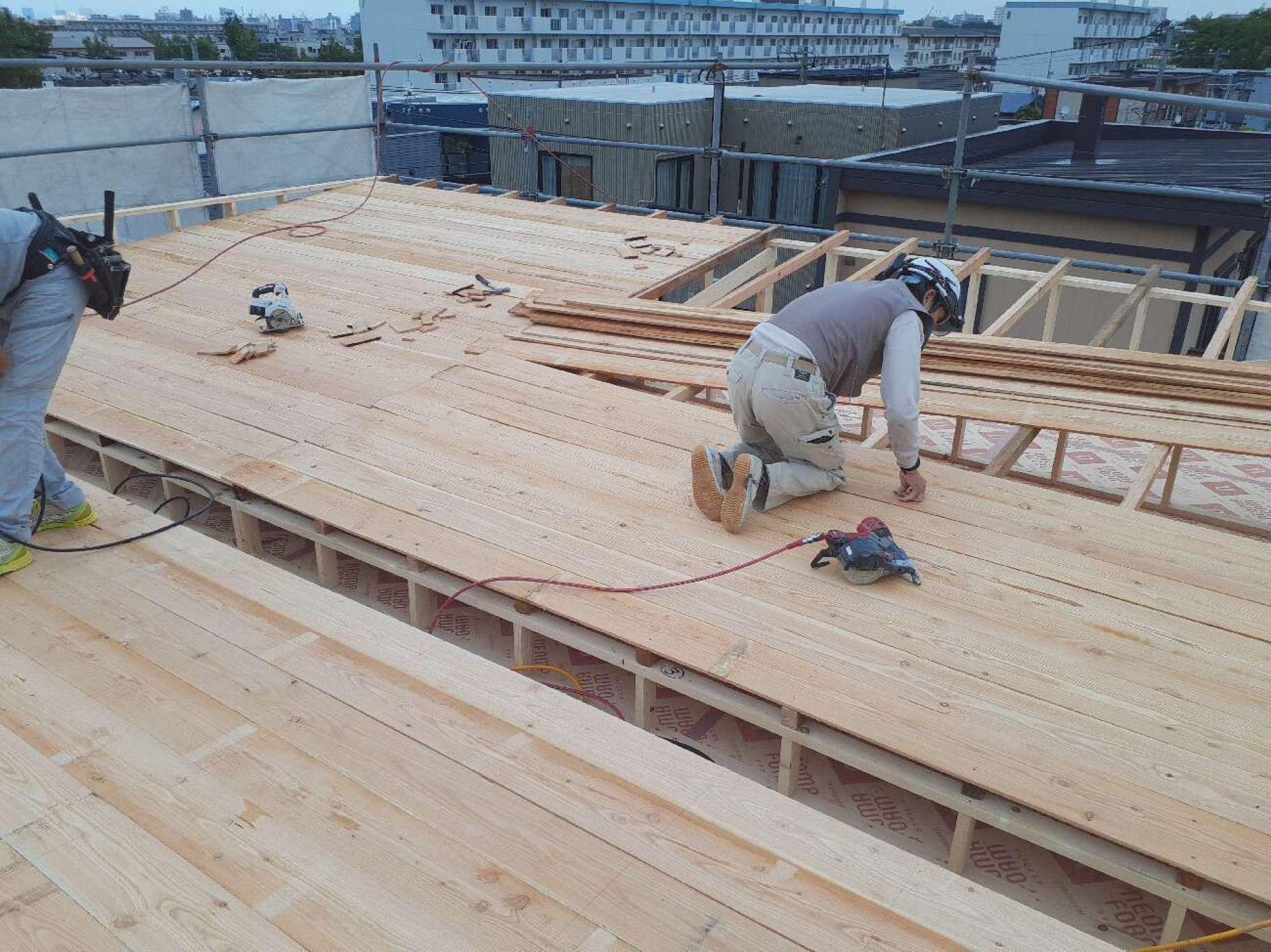 屋根造作工事 -  -  -