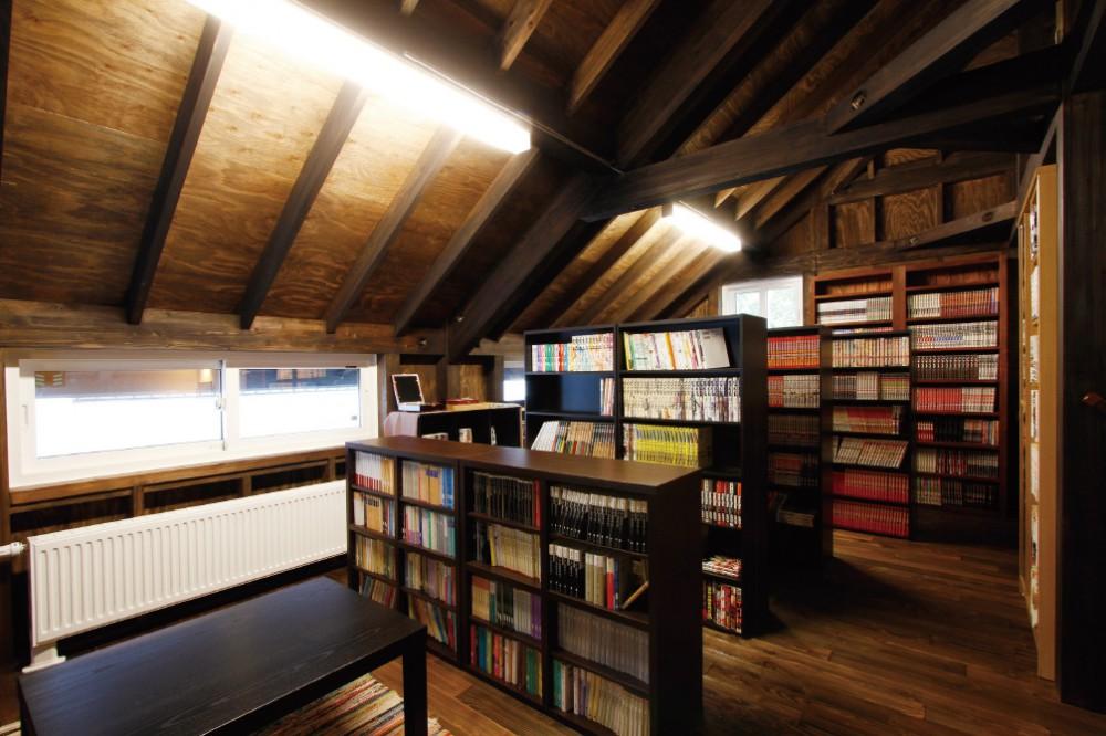 図書館のようにワクワクする本棚 -  -  -
