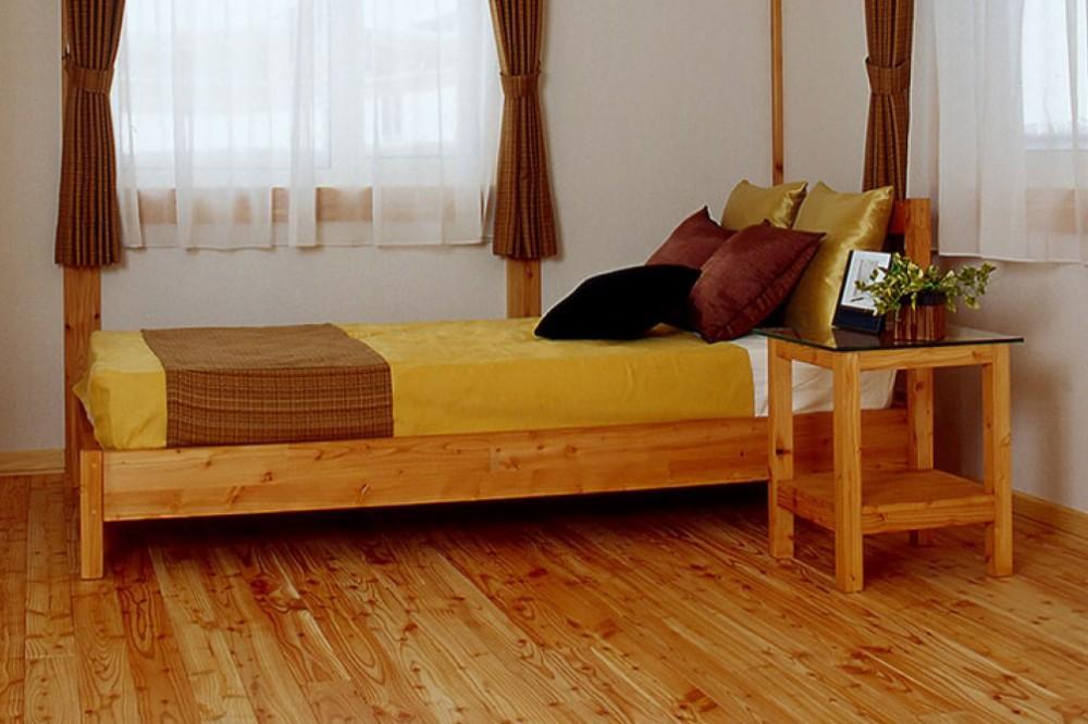木のベッド -  -  -