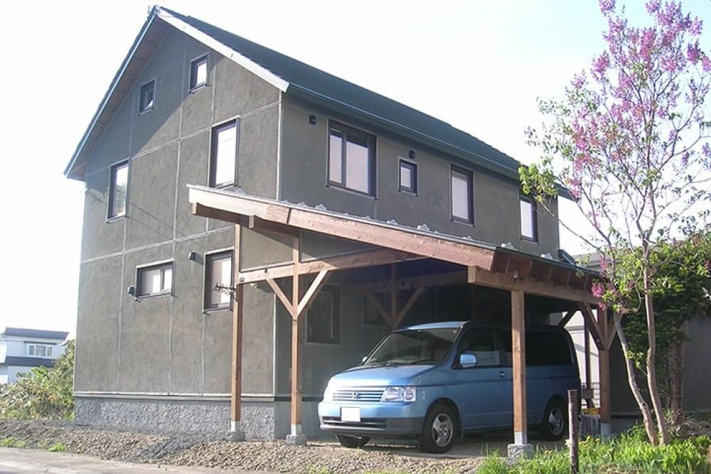 家屋一体型のカーポートです -  -  -