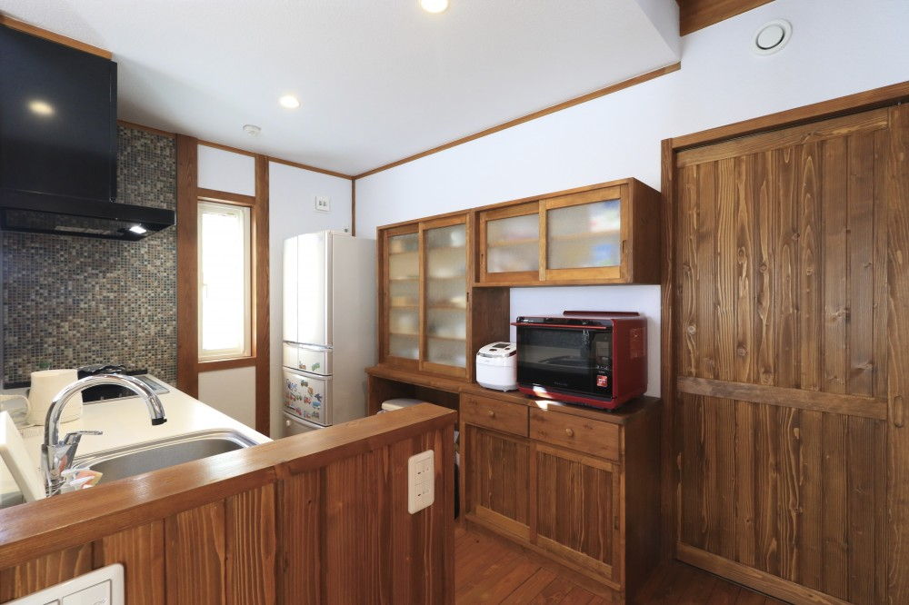 食器棚 -  -  -