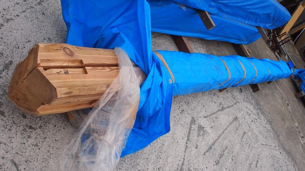 木材会社さんの協力 ~ 通し大黒柱 ~ -